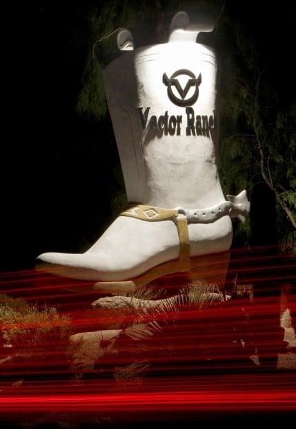 Tucson Oddity: Big boot once heralded tony restaurant