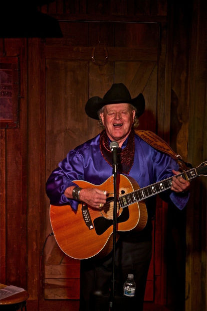 Dolan Ellis, Arizona balladeer, to perform