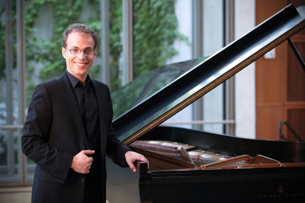 Pianist Weiss revisits Tchaikovsky concerto