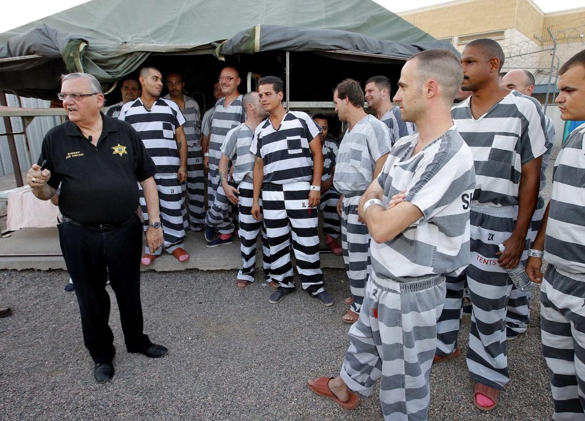 Voters oust Sheriff Joe Arpaio after charge clouds campaign