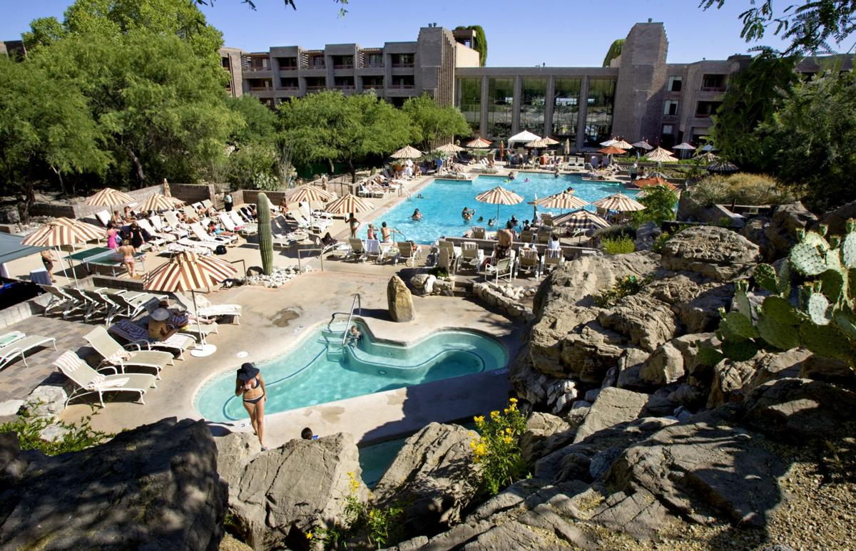 Loews Ventana Canyon pool