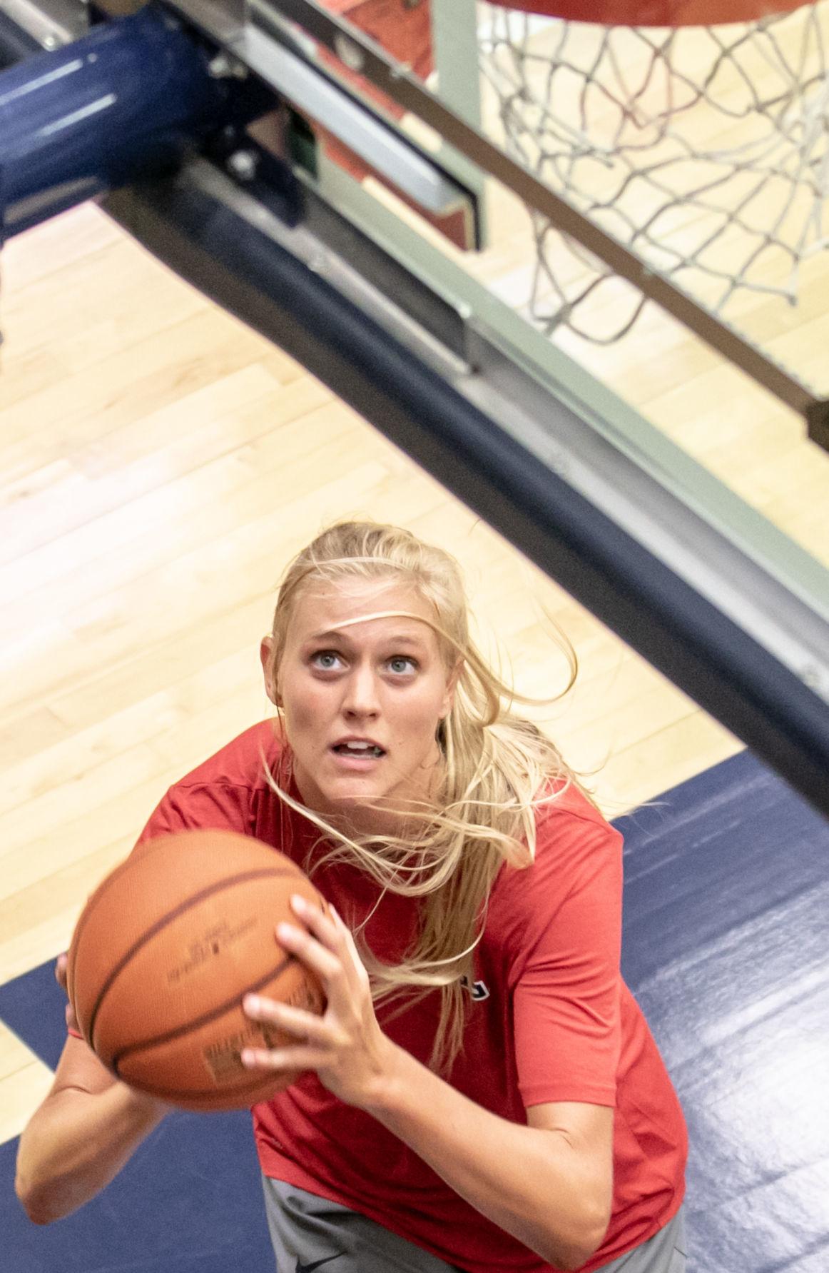 UA women's basketball practice