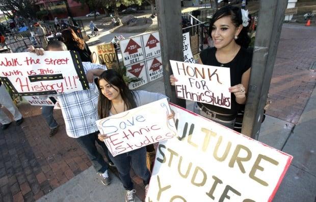 TUSD board shuts down Mex. American Studies