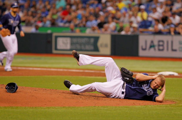 MLB notebook: Hit by liner, Rays' Cobb favors protective headgear for pitchers