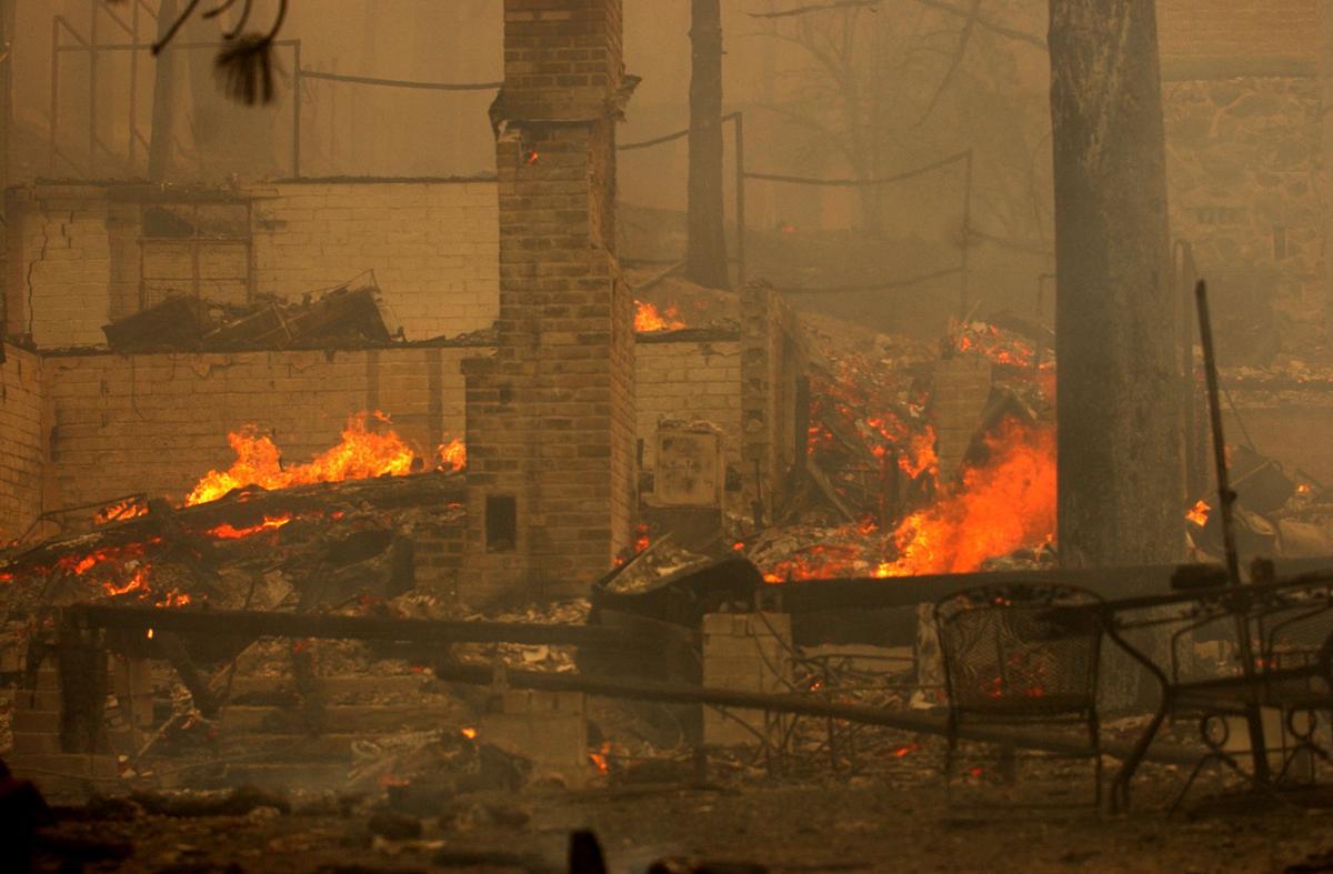 2003 Aspen Fire Burns Summerhaven Community Tucson Com