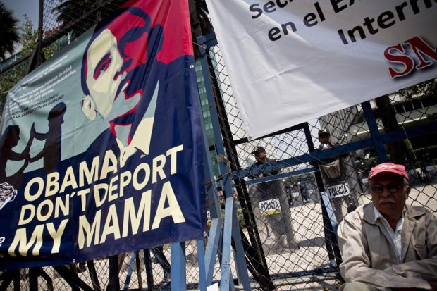 Protesters tell Obama: 'Don't deport my mama'