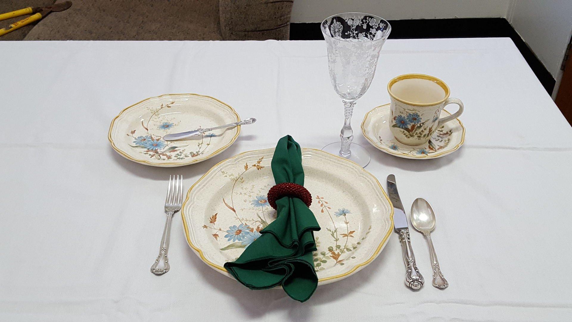 & A basic family-dinner table setting | | tucson.com