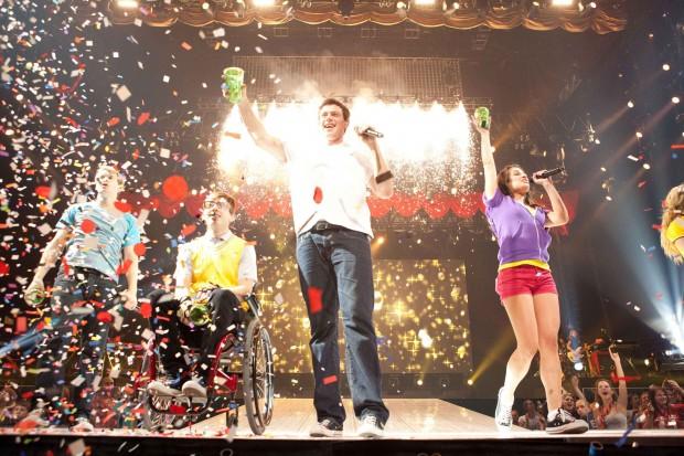 Gleeful 'Glee' should satisfy devoted fans