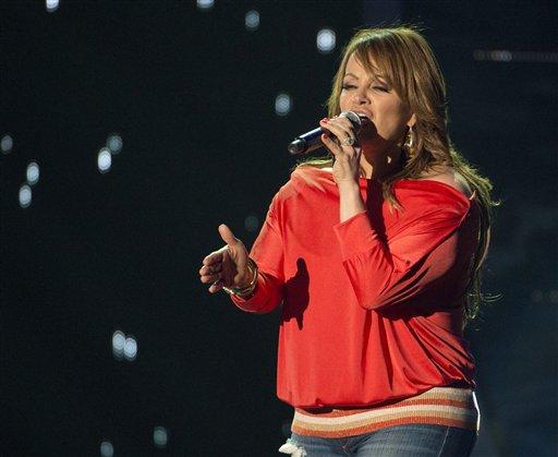 Singer feared dead in Mexican plane crash