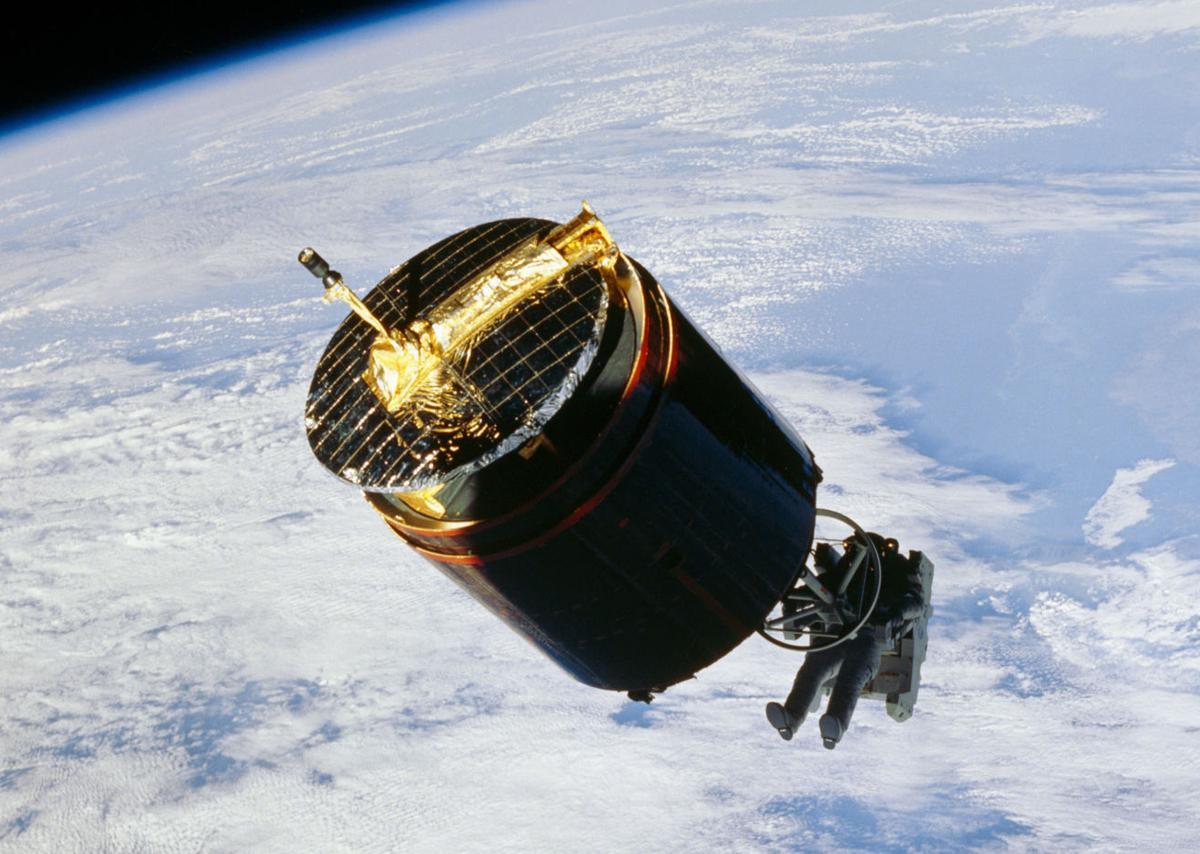 Satellite retrieval