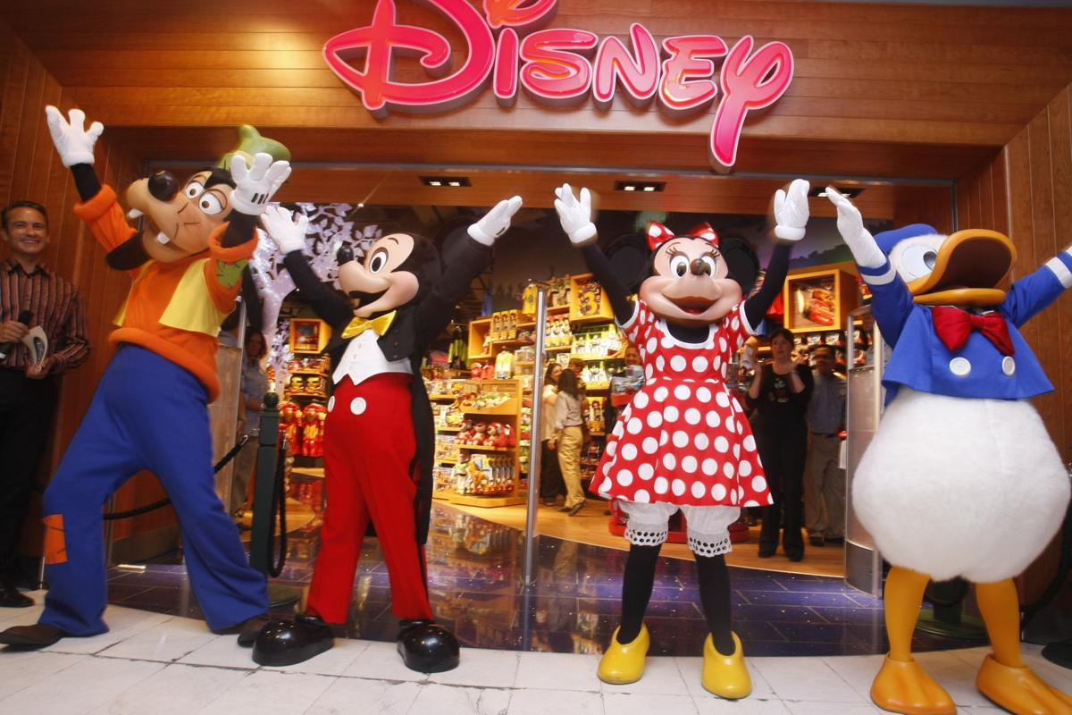 Free Stuff At The Disney Outlet Store Opening In Marana Saturday Todo Tucson Com