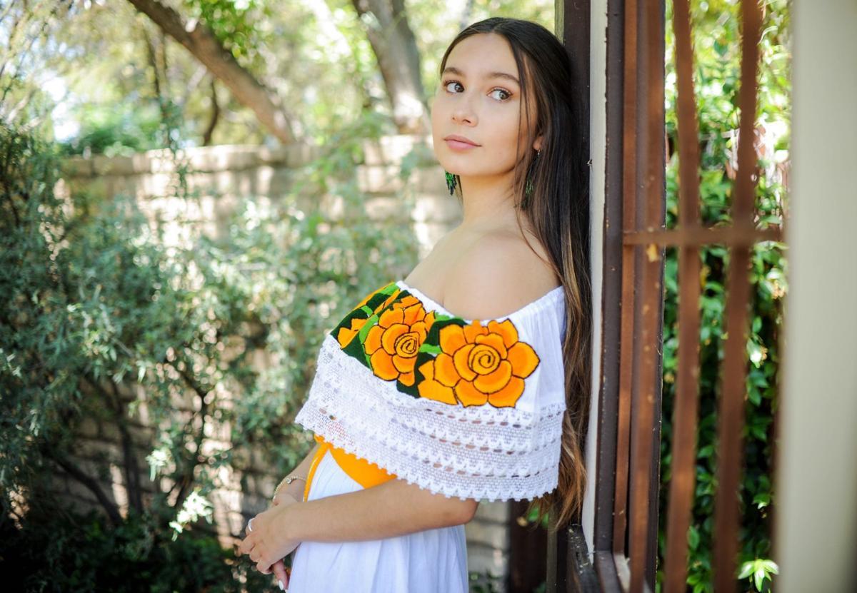 Adela Artisan (LE)