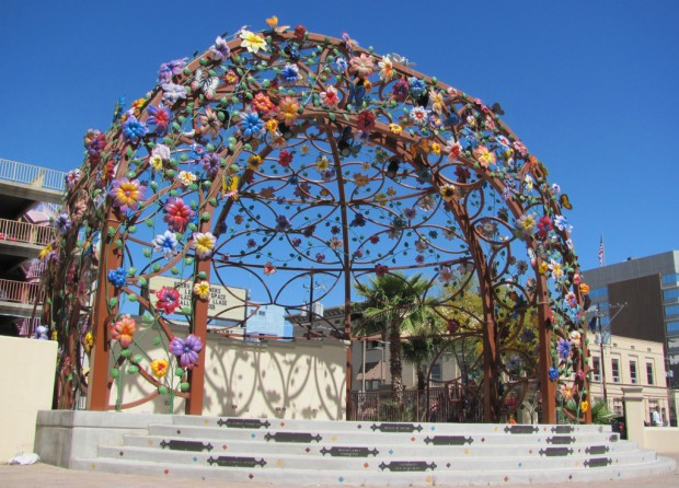 Tucson Oddity: Flowery covering sets stage for performances