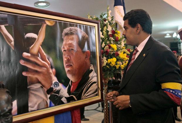 Chavez, in death, gains holy status in Venezuela