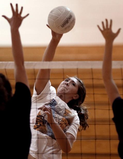 Girls volleyball preview: Cienega's Mendivil a pillar at net, in class