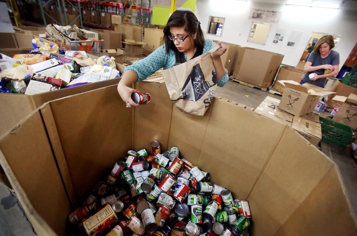Community Food Bank of Southern Arizona volunteers (copy)