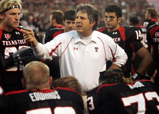 Arizona Football: Leach wants 'back in,' not shy about UA job