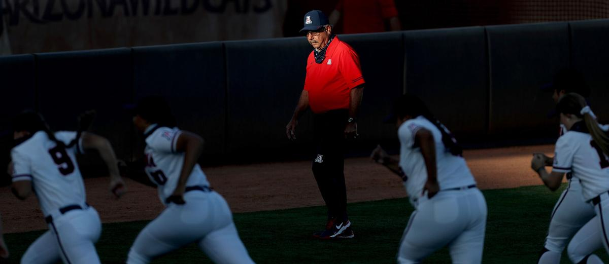 Mike Candrea, Arizona softball