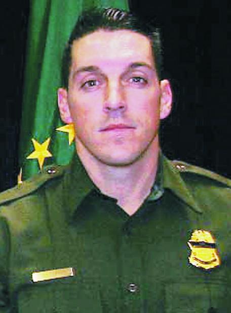 Gunfire kills US agent in area where bandits prey