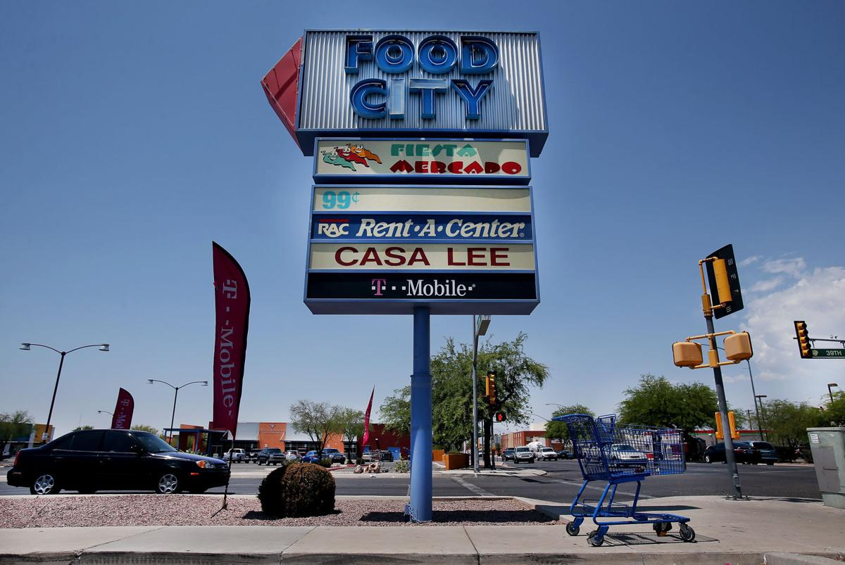 South Tucson Food City plaza sold to investors