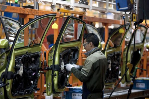 Auto boom in Mexico troubles US workers