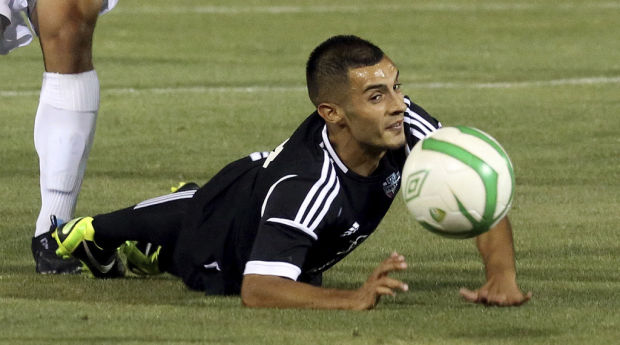 Soccer: FC Tucson 3, Southern Cal 1: FC Tucson awakens to corral Seahorses