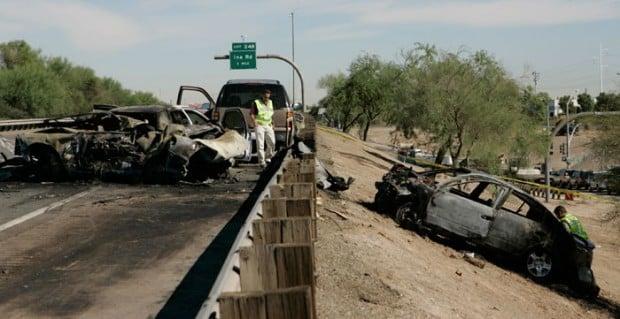 I-10 DPS crash kills woman in cruiser