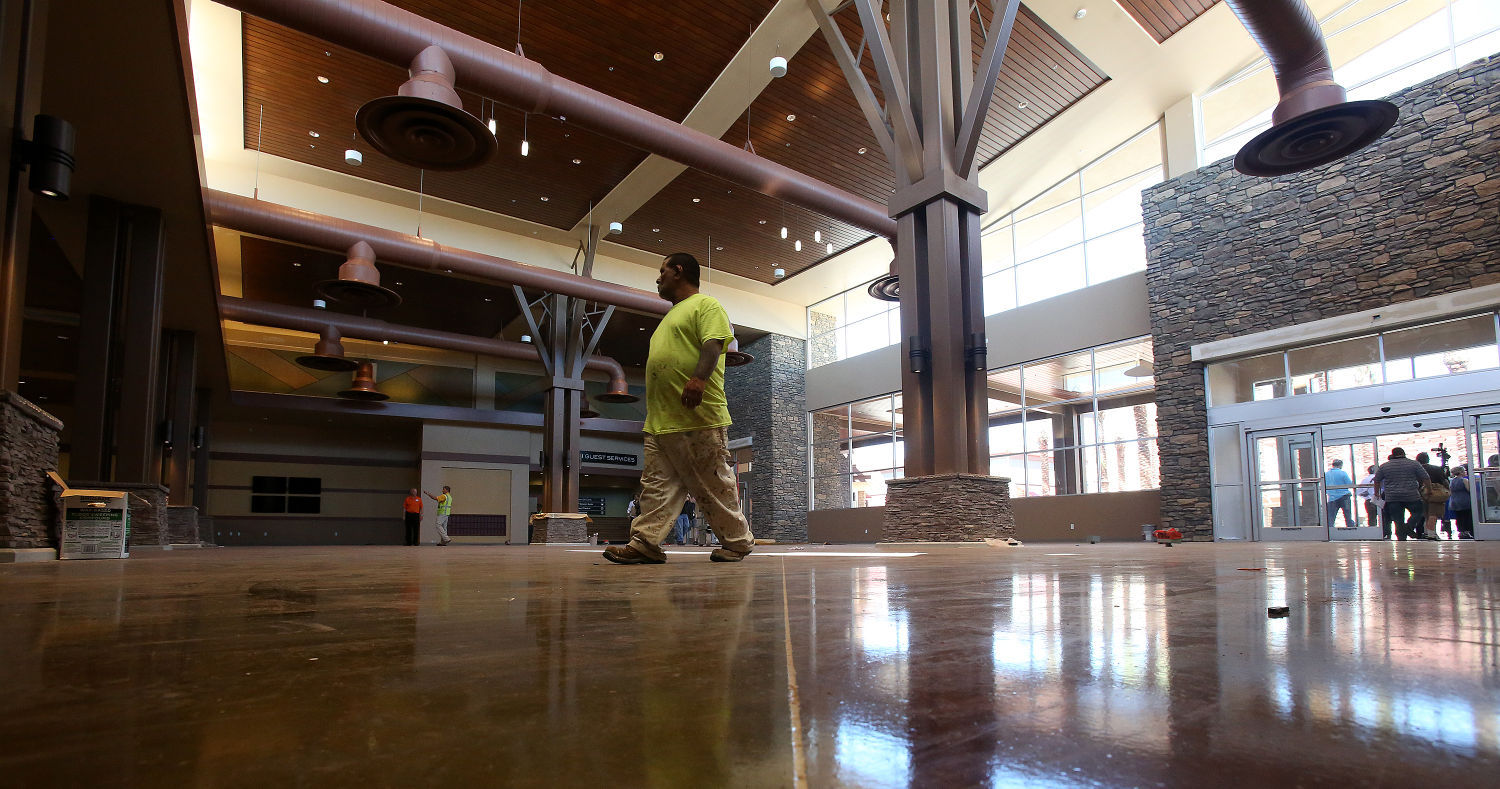 Outlets Mall Tucson Premium Outlets opens next