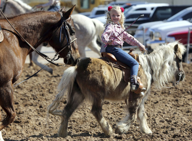 Patrick Finley: Tucson rodeo: Family living the cowboy life