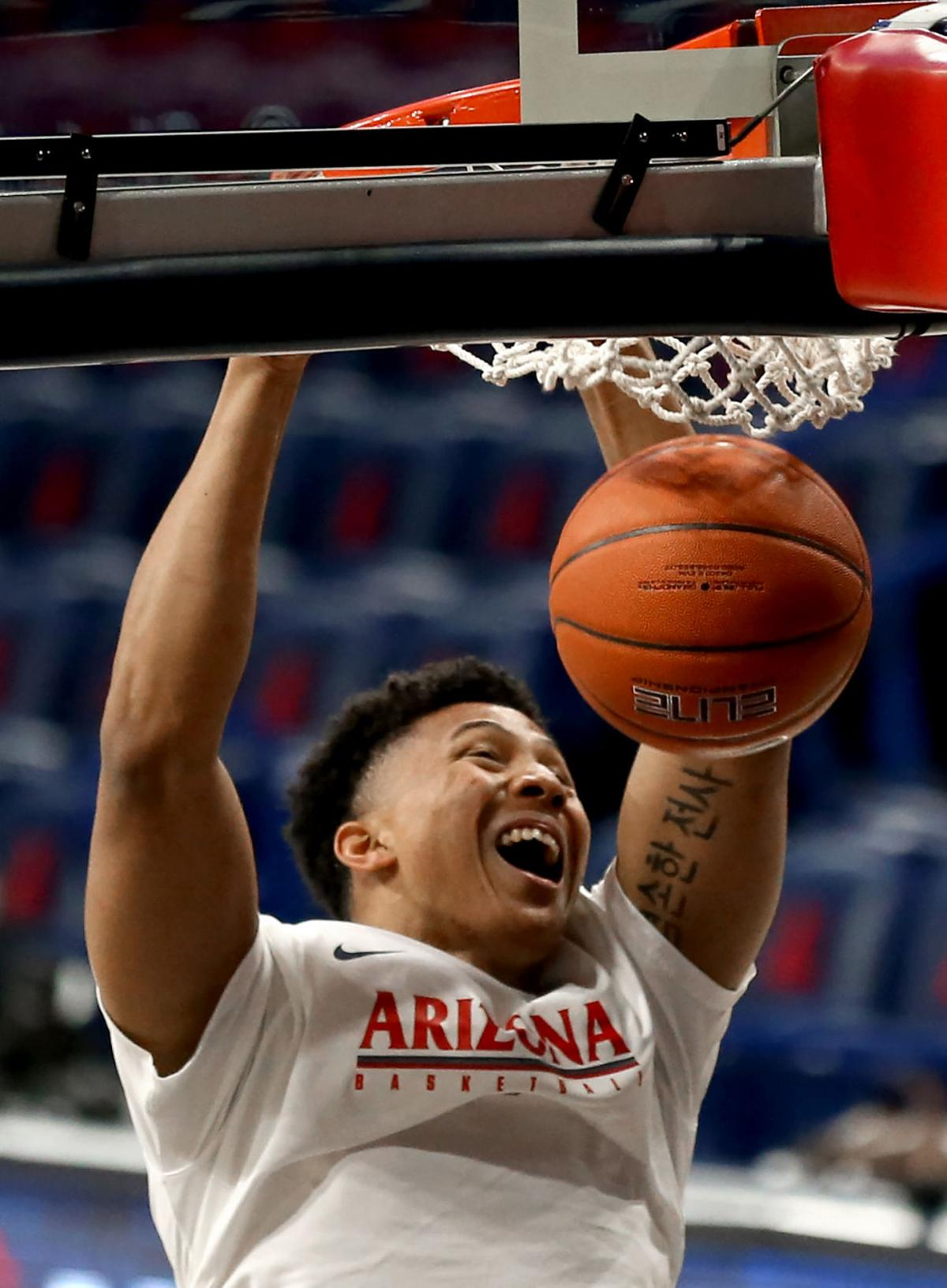 Arizona Wildcats take 38-27 halftime lead over Oregon State