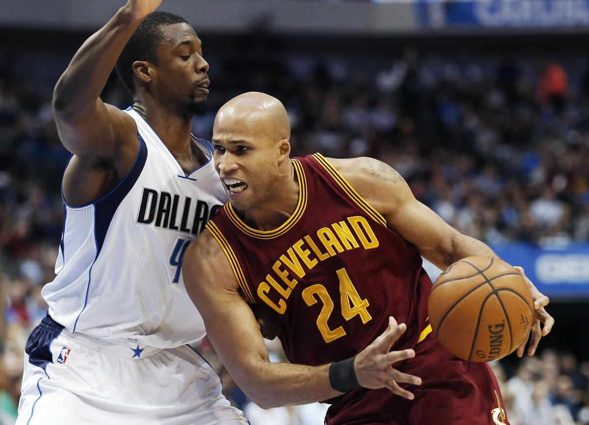 Cavaliers Mavericks Basketball