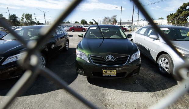 Toyota's gas-pedal problem accelerates | Tom-krisher--and