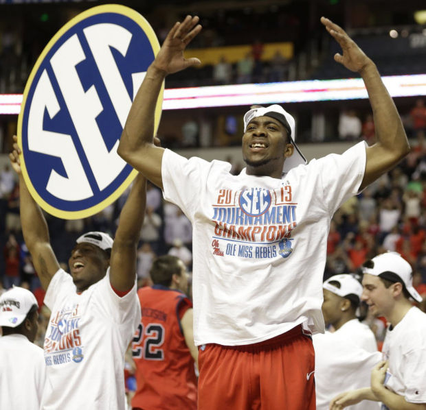 Roundup: Rebels upend Florida in SEC title game