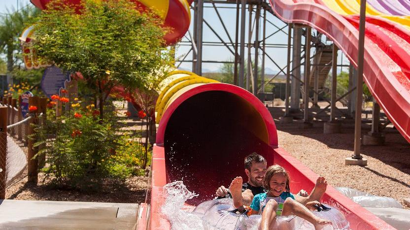 Wet 'n' Wild is now Six Flags