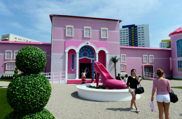 Barbie The Dreamhouse Experience