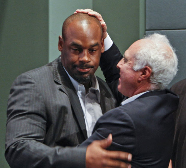 NFL notebook: McNabb officially retires, Eagles retire jersey No. 5