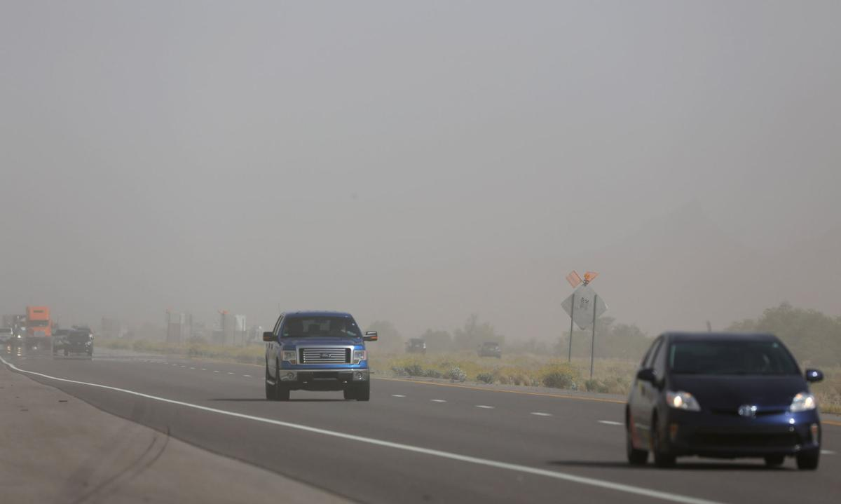 Dust detection system to give advanced warning to drivers on dangerous stretch of I-10