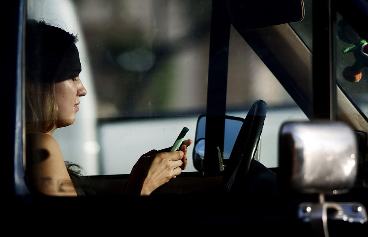 Ban on teen texting while driving goes to governor