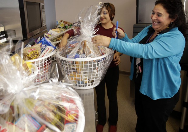 Charitable holiday dinners need food