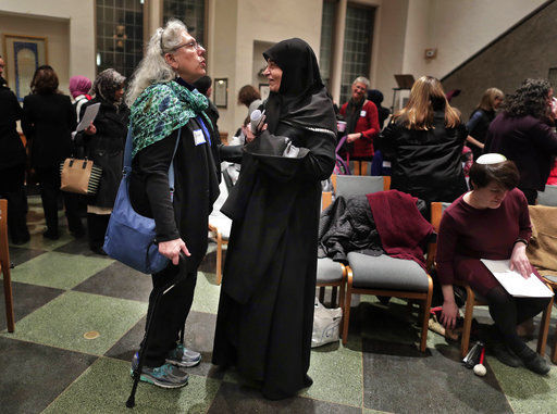 US Muslims and Jews strengthen bonds amid acts of bigotry