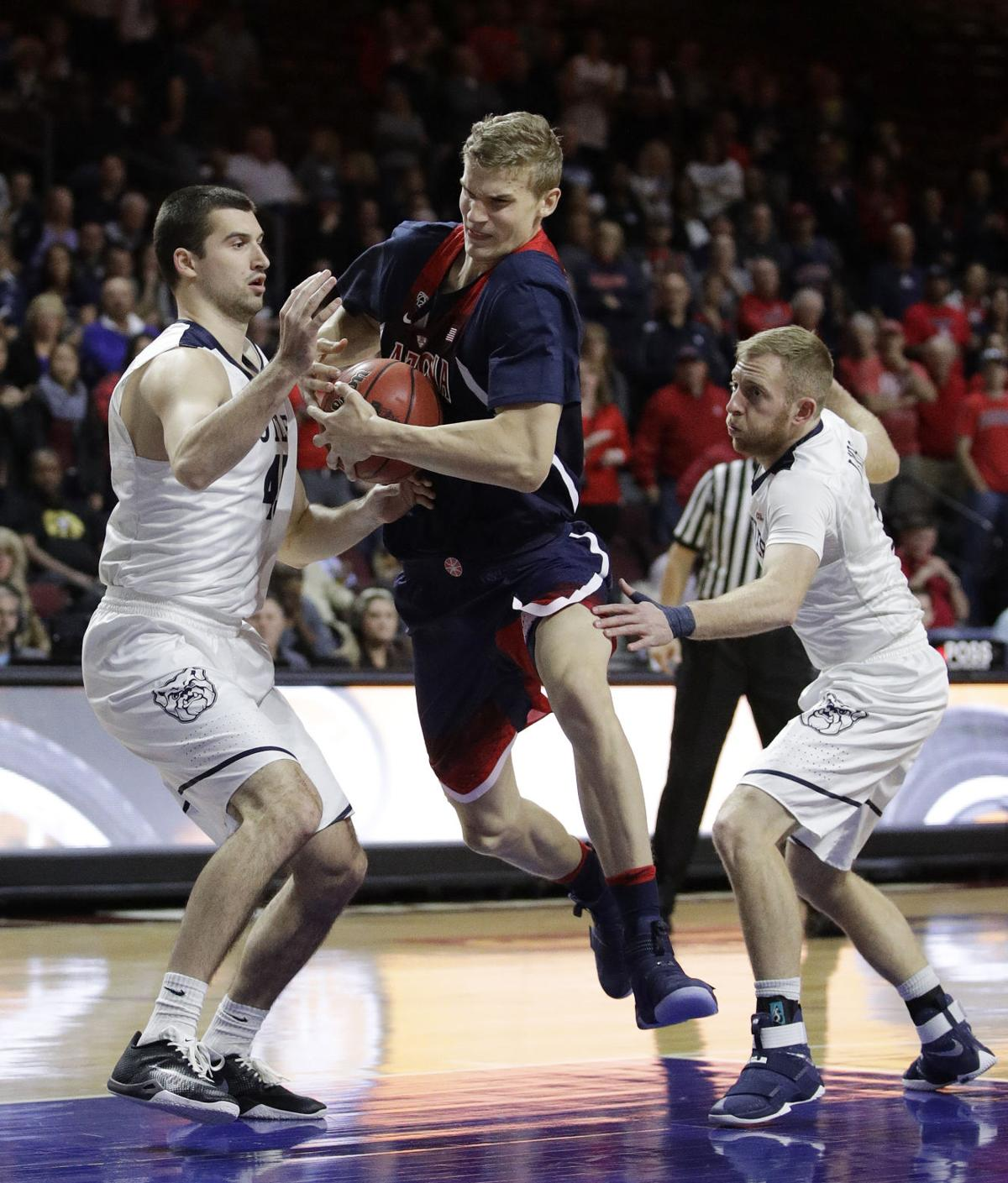 Arizona Wildcats leave Las Vegas with a loss
