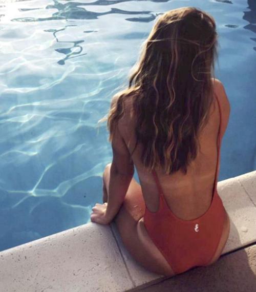 Tough lesson: Online swimsuit promo blows up on UA grads