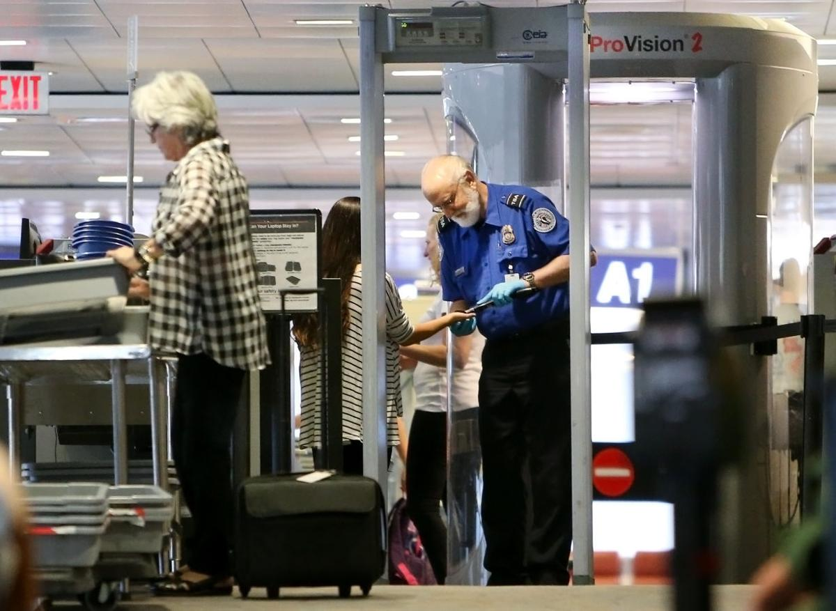 Tucson airport getting full-body scanners | News About ... Rolling Sky