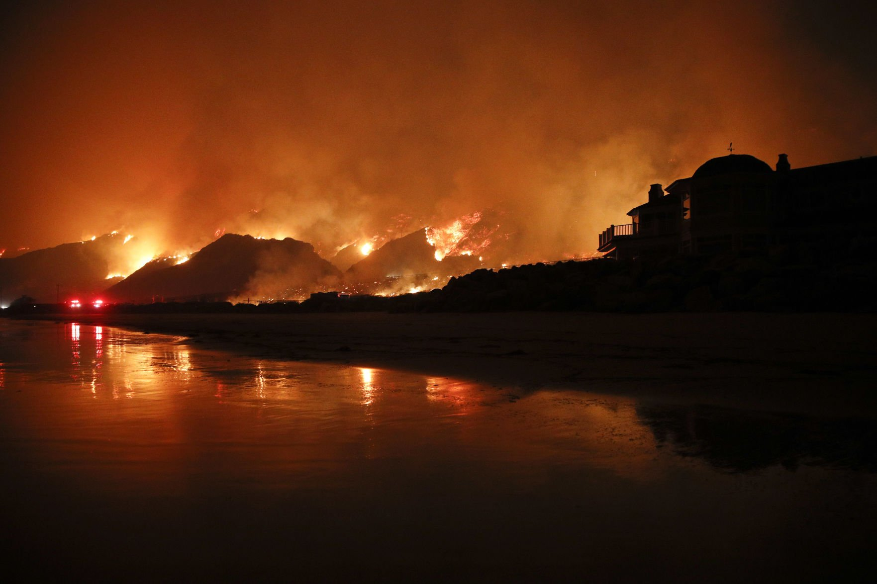 California Map Interactive%0A The Southern California wildfires in    stunning photos   AP National News    tucson com