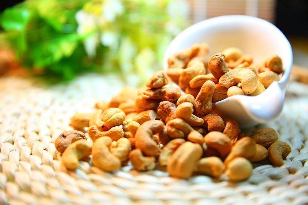 cashew-nut-1098177__480.jpg
