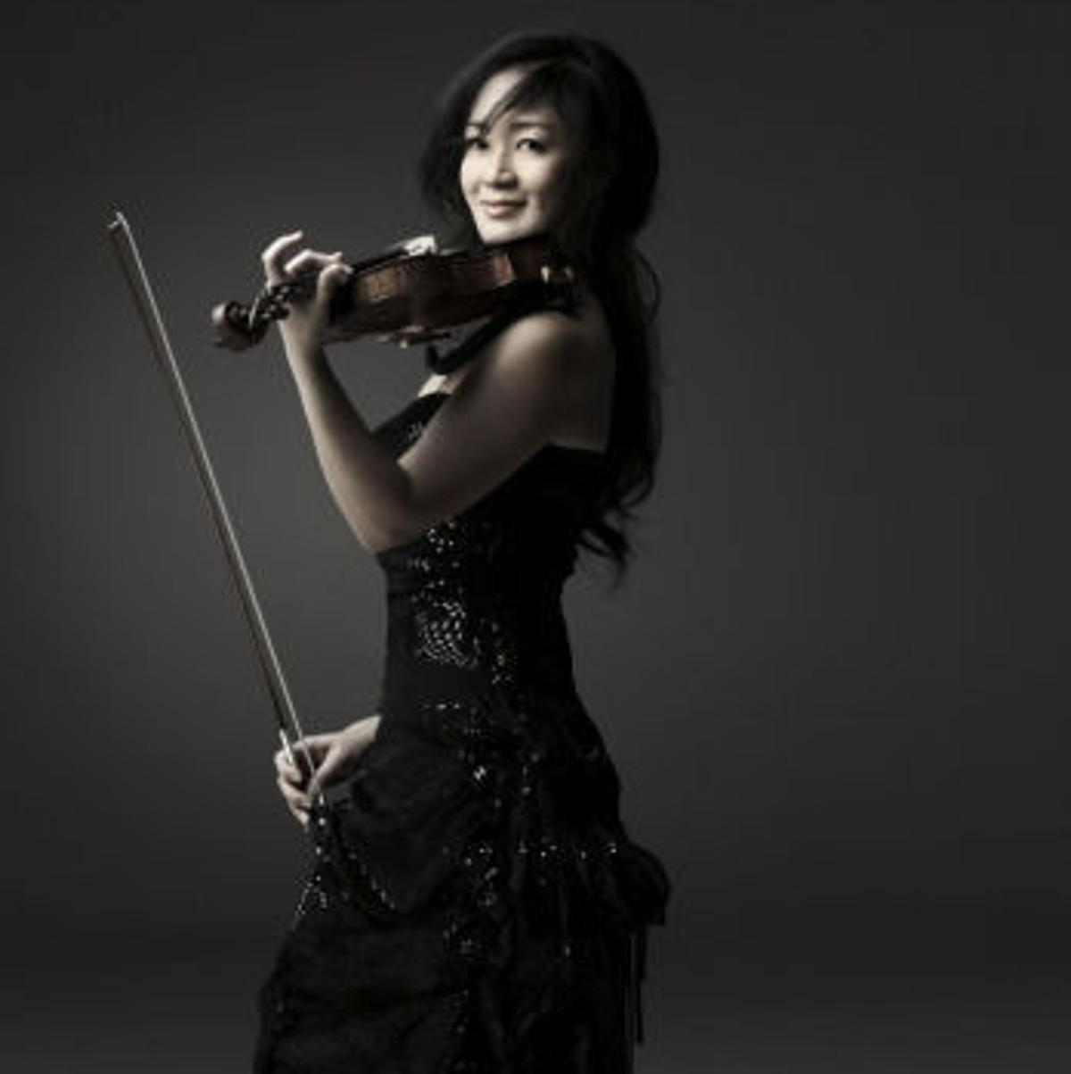 Violinist unearths mystery behind her 345-year-old violin