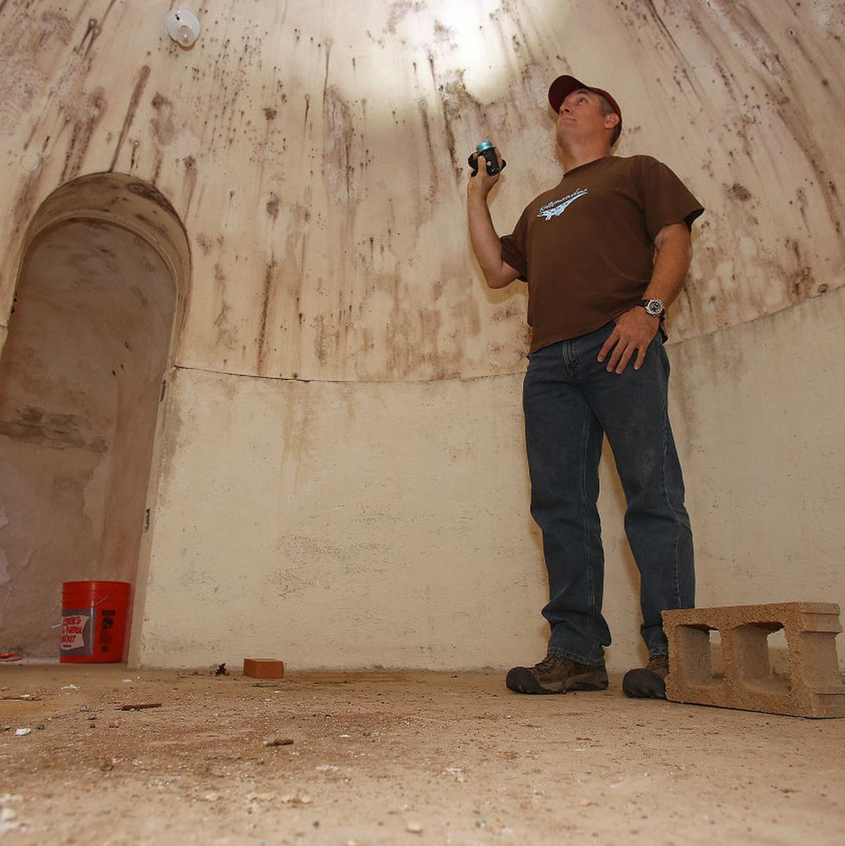 A real digger-upper: Tucson man finds bomb shelter in
