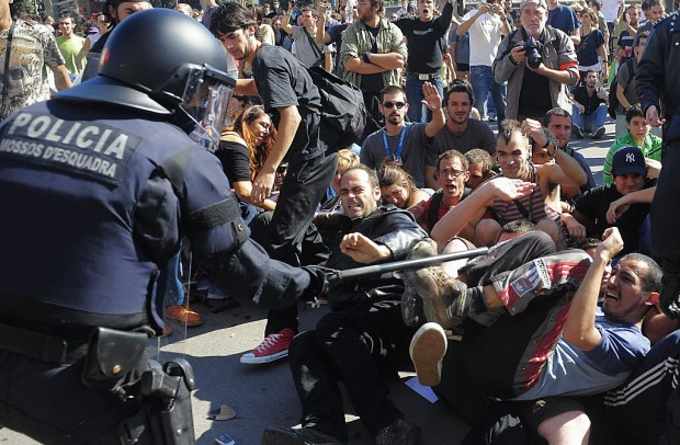Anti-austerity protests sweep through Europe