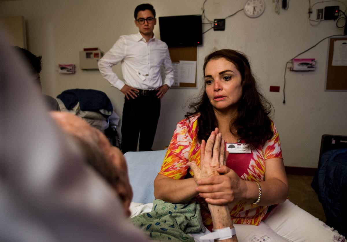 Gloria de la Rosa is granted humanitarian pass