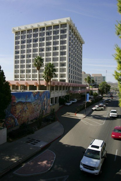 Chamber backs city lease after hotel upgrade